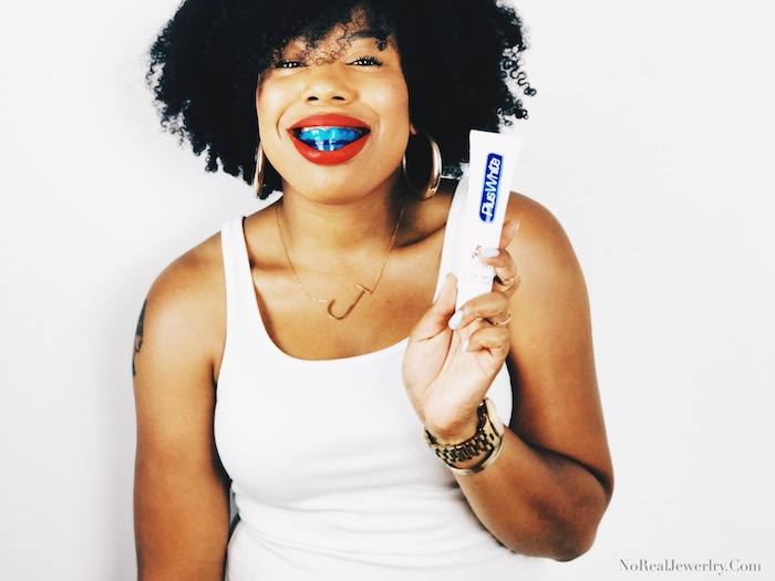 How I Keep My Teeth Pearly White With Plus White 5 Minute Premier Whitening Kit by Jessica Lauren of NoRealJewelry.Com 2